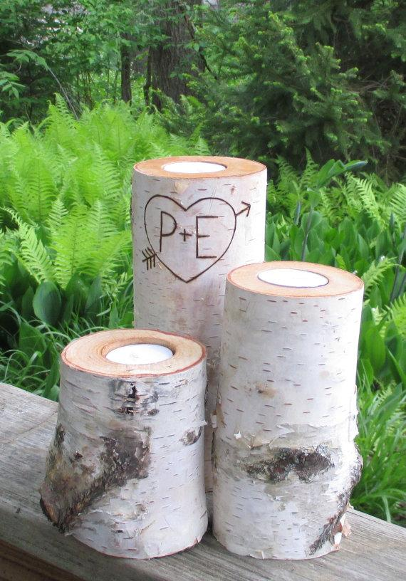 Свадьба - Rustic  Wedding Centerpieces Personalized Birch Candles Rustic Wedding Valentine Anniversary