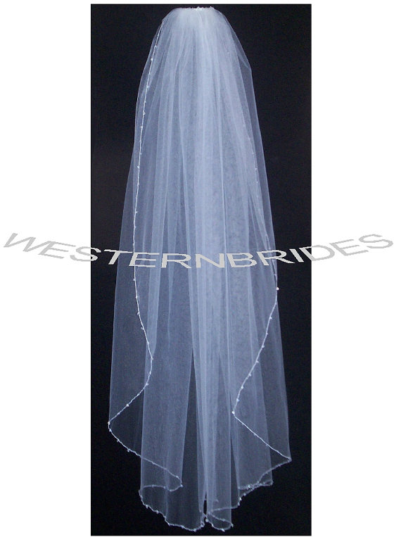 Mariage - Crystal beads on edge One tier Elegant Wedding Bridal veil. White or Ivory , your choice. fingertip lenght with silver comb ready to wear