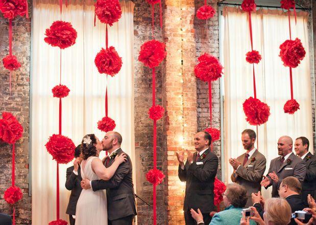Mariage - Zoom Sur Des Pompons Fous Fous Fous Pour Votre Décoration