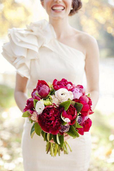 Mariage - Red   White Bouquets Perfect For Canada Day