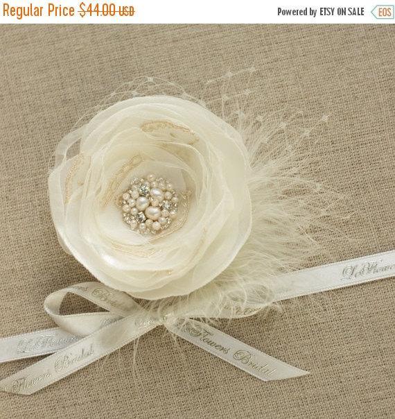 Hochzeit - Wedding hair flower Wedding Hair piece Bridal hair flower hair clip Feather fascinator Bridal Hair accessories Ivory hair piece