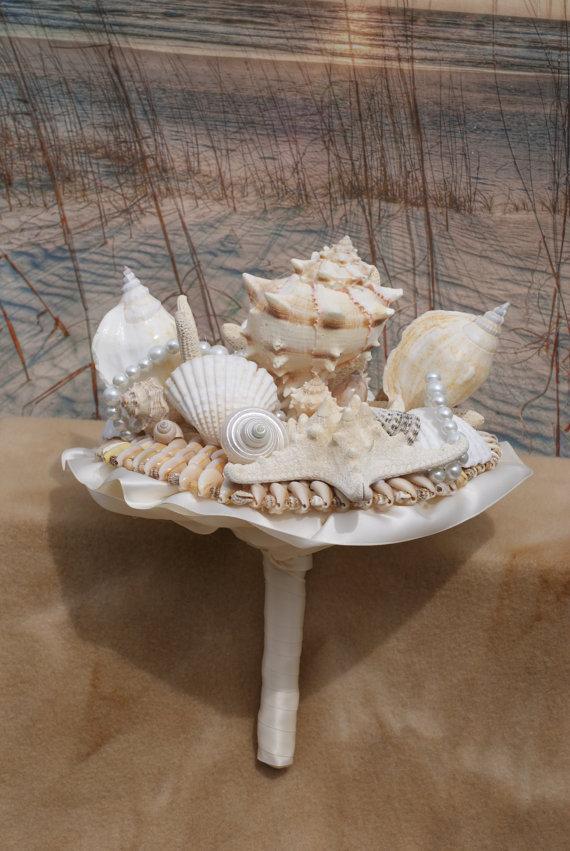 Hochzeit - Bridal Seashell Bouquet / Beach Bouquet
