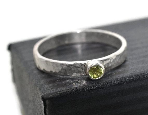 Mariage - Tiny Green Gemstone Ring, Natural Peridot Engagement Ring, Rustic Silver Ring, Secret Message Ring, Custom Engraving, Personalized Ring,