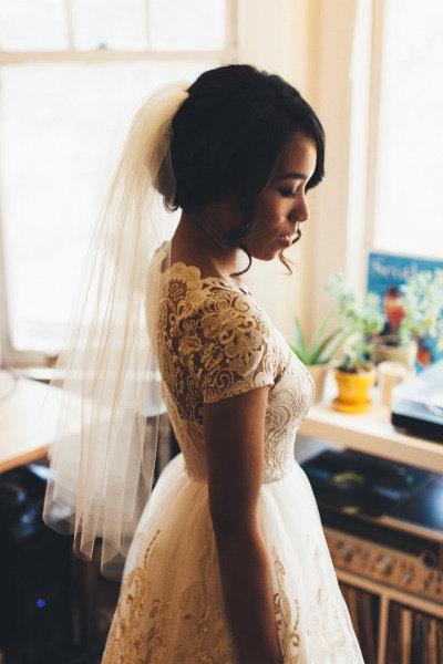 Hochzeit - Elbow length Wedding Bridal Veil white, ivory, Wedding veil bridal Veil Elbow length veil bridal veil cut edge veil