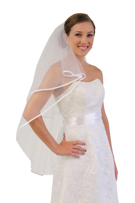 Mariage - White Satin Trim bridal wedding veil 2 Tier, Fingertip length