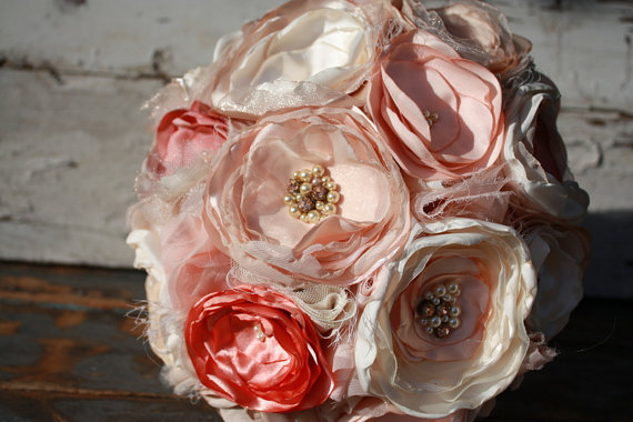 """Свадьба - SALE and FREE SHIP Blush peach and champagne brides bouquet, wedding bouquet, 10"""" fabric flower bouquet in blush peach, champagne and ivory"""