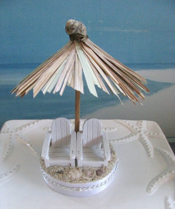 Hochzeit - Tiki Umbrella Adirondack Chairs on a Beach Wedding Cake Topper