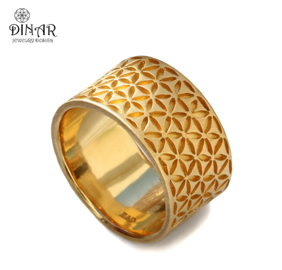 Mariage - 14k yellow gold band, wide band, men wedding band, flower of life , floral motif, patterned gold band, handcrafted, mens band, gold ring