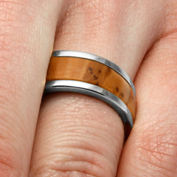 زفاف - Natural Wood Ring With Bethlehem Olive Wood Inlay, Titanium Ring, 10k White Gold Wedding Band
