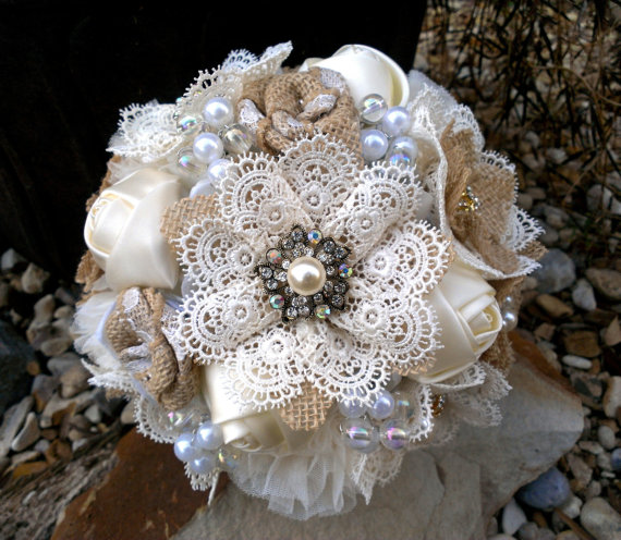 Mariage - Rustic Romantic Burlap and Lace Bouquet; YOUR COLORS Also Available -  With Vintage Style Brooches Buttons and Pearls, Shabby Chic Bouquet