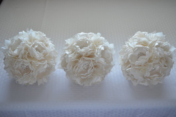 زفاف - Fabric Bouquet - Medium Size- Bridesmaid Bouquet - Pure Cream - Fabric Flowers, Fabric Bouquet, Heirloom Bouquet, Pure Cream