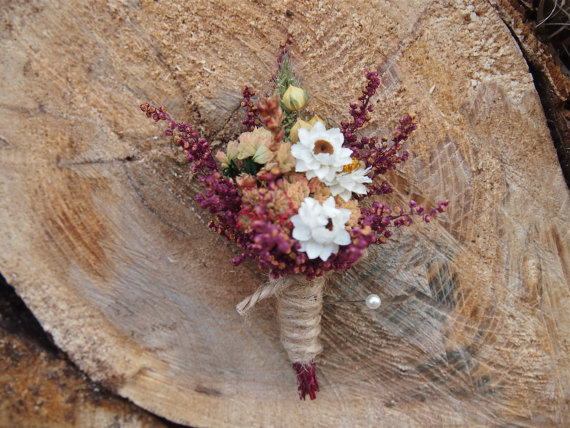 Wedding - SHABBY and RUSTIC Wedding Boutonniere - Perfect for your Country Wedding