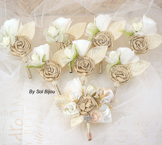 Hochzeit - Boutonnieres, Groom, Groomsmen, Corsages, Mother of the Bride, Maid of Honor, Champagne, Tan, Beige, Gold, Ivory, Pearls, Crystals