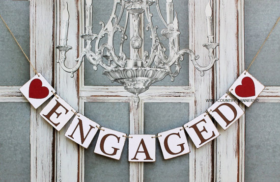 Свадьба - ENGAGED SIGNS-Engagement BANNERS-Rustic Wedding signs-Engagement Party Decorations