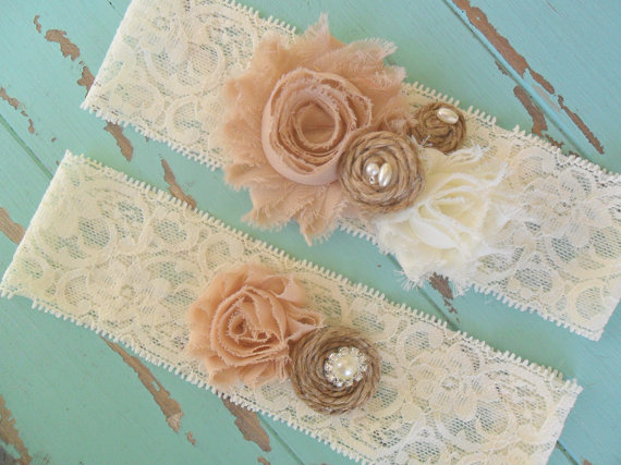 Mariage - Rustic Garter, Lace Garter, Wedding Accessory, Tan Garter, Shabby Chic Garter, Garter Set, YOUR CHOICE COLOR, Bridal Garter, Country Wedding
