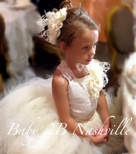 Mariage - Vintage Ivory Lace Flower Girl Dress, Wedding Flower Girl  Dress  All Sizes Girls