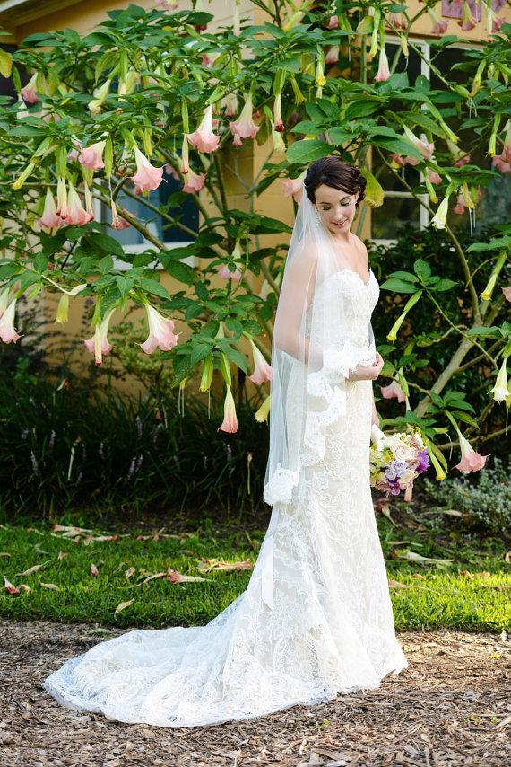 Mariage - Wedding Veil - Waltz Length Alencon Lace Veil -  Mantilla Veil - Valencia