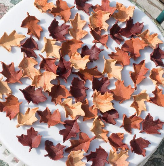 Mariage - Fondant Fall/Autumn leaves (Set of 65) cake/cupcake decorations