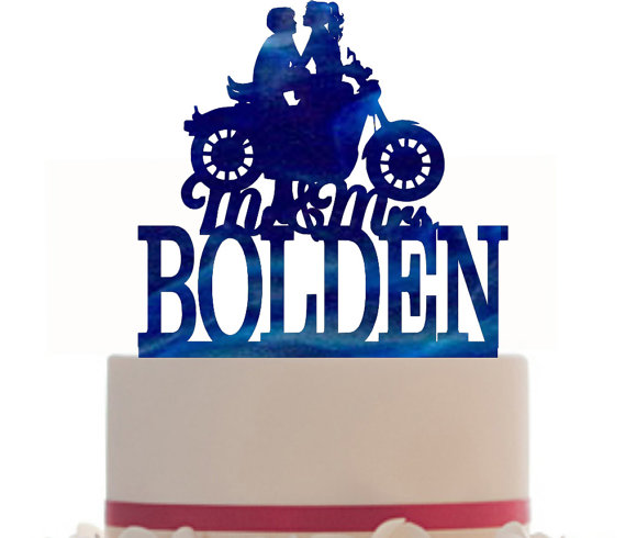 Mariage - Custom Wedding Cake Topper Mr and Mrs with a Motorcycle, your last name, choice of color and a FREE base for display