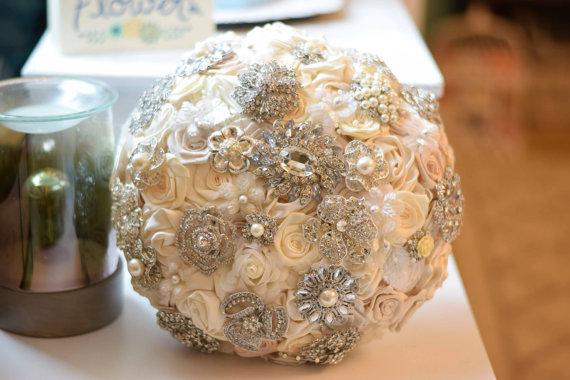 Свадьба - Satin Flower Brooch Bouquet