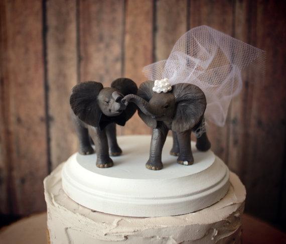 Hochzeit - Elephant wedding cake topper-elephant lover-circus-bride and groom-animal-jungle-wedding cake topper-elephant
