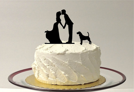 Свадьба - Kissing Couple Silhouette Wedding Cake Topper with Dog Pet Family of 3 Wedding Cake Topper Bride and Groom Cake Topper