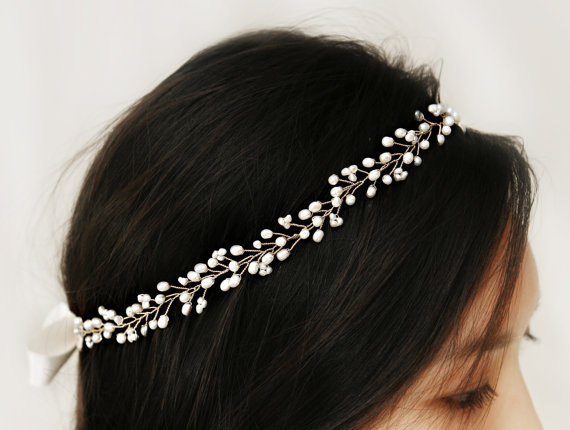 Mariage - Bohemian Bridal Freshwater Pearl Hair Vine, Halo Headpiece, Crown Bridal Hair Accessories