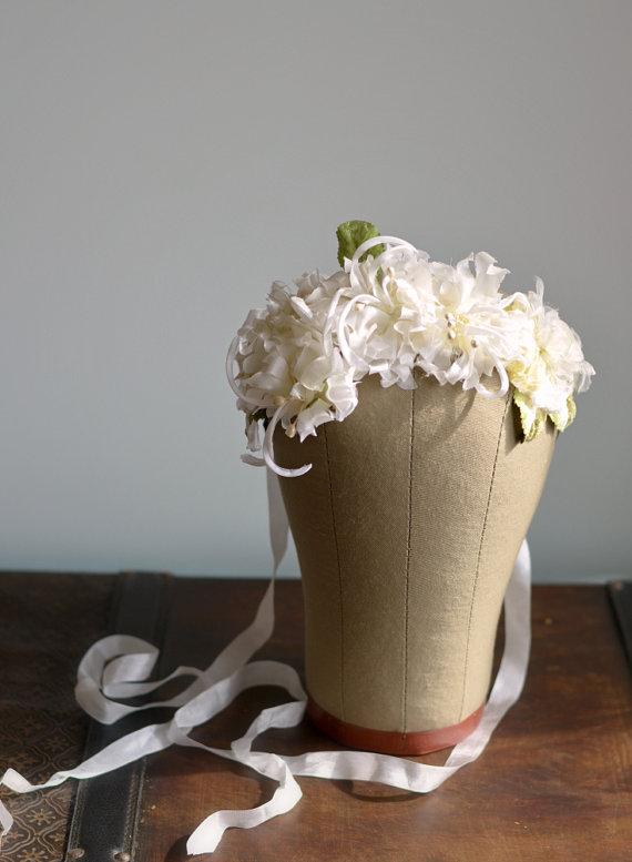 زفاف - Bridal crown, vintage floral crown, ivory flower crown, flower hair piece, wedding hair accessories