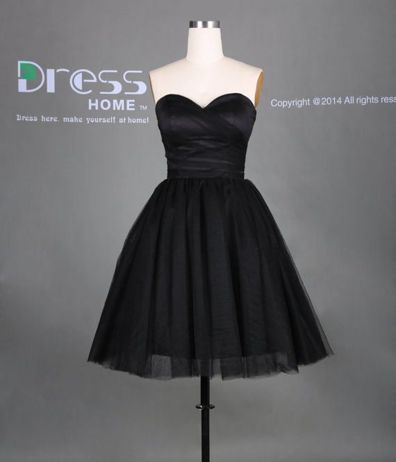 Свадьба - Simple Black Sweetheart Neckline Ball Gown Short Homecoming Dress/Little Black Dress/Sexy Wedding Party Dress/Bridesmaid Dress DH285