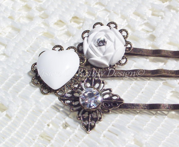 Hochzeit - Bridal Hair Pins - Hearts - Flowers - Crystal - Vintage Inspired