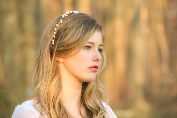 Hochzeit - wedding headband, bridal headband, bridal headpiece, Bridal  tiara with white berries, woodland bridal wreath