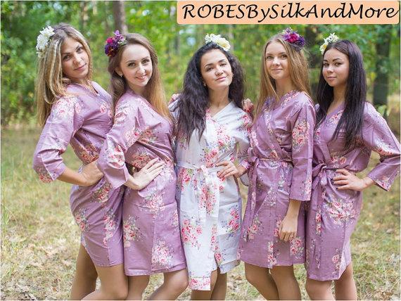 Wedding - Amethyst Purple Faded Flowers Bridesmaids Robe Sets Kimono Robes. Bridesmaids gifts. Getting ready robes. Bridal Party Robes. Floral Robes.