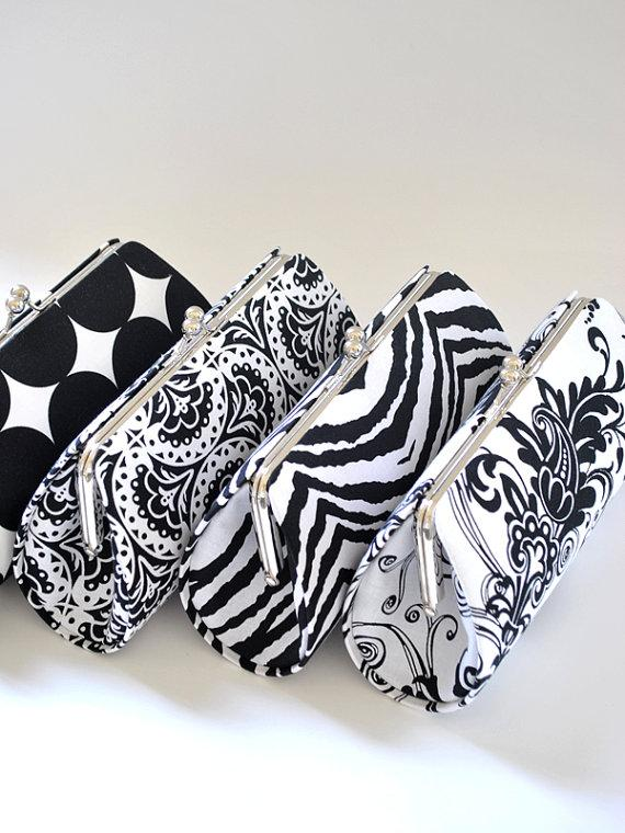 Mariage - A SET of 5 Bridesmaids Clutches -  Create a Custom Bridesmaid Clutches in your choice of fabrics