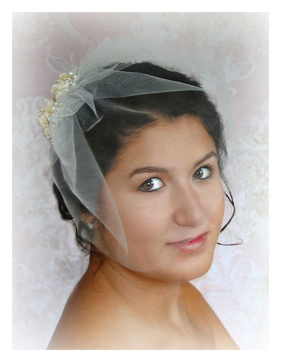 Mariage - Birdcage Veil and Lace Fascinator, Champagne and Ivory Bridal Fascinator and Blusher Veil with Crystals and Pearls - ANTONIA