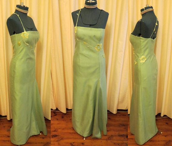 Hochzeit - Vintage Green Flower Vine Prom Dress Fig Design Sydney