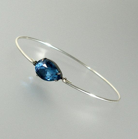 زفاف - Sapphire Montana Blue Glass Silver Bangle Bracelet, Blue Glass Bracelet, Bridesmaid Gift, Bridal Jewelry, Wedding Jewelry (G134S,