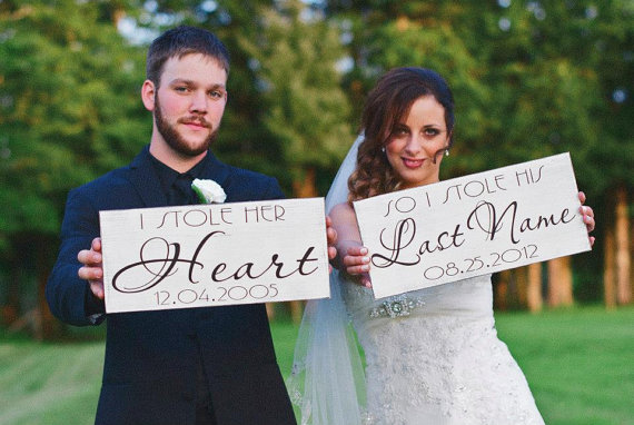 Mariage - Wedding Signs, I Stole Her Heart with So I Stole His Last Name with dates, Engagement Signs, Photo Props. Two (2) signs, 8 X 16 inch.