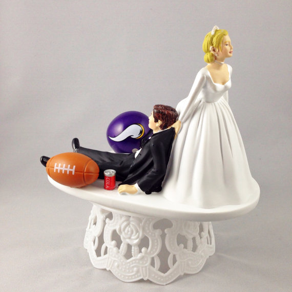 Mariage - Handmade Wedding Cake Toppers NFL Themed Minnesota Vikings Unique and Humorous Cake Toppers - Perfect For Sports Loving Grooms' Cake Topper