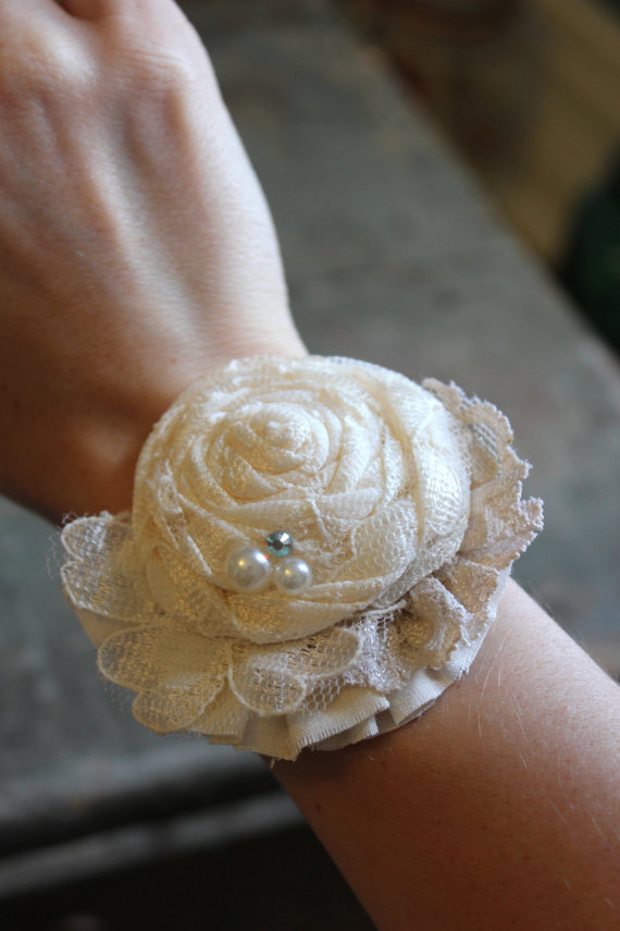Hochzeit - Rustic Shabby Lace Rose Flower Corsage // Mother of Bride, Bridal Shower, Flower Girl Vintage Style // Flower Wrist Corsage