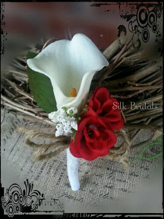 Свадьба - Creamy white calla lily rose Boutonniere  Groom groomsman bridal silk wedding flowers burlap twine