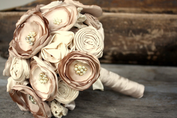 Hochzeit - Fabric flower bouquet, bridal bouquet, Fabric wedding bouquet in champagne and cream, champagne bouquet, keepsake, alternative bouquet