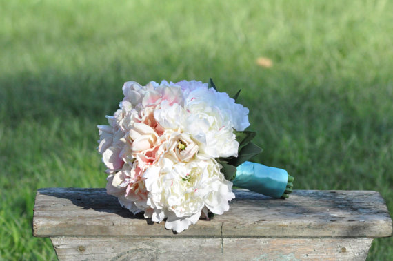 Hochzeit - Wedding Bouquet, Keepsake Bouquet, Bridal Bouquet Blush pink hydrangea and ivory peony wedding bouquet made of silk flowers.