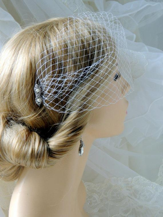 Свадьба - Bridal Blusher Veil, White wedding veil, 6 inch French Net , Birdcage Veil on a rhinestones comb
