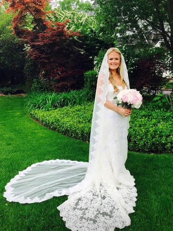 Mariage - Cathedral Length Lace Wedding Veil Gathered at Top