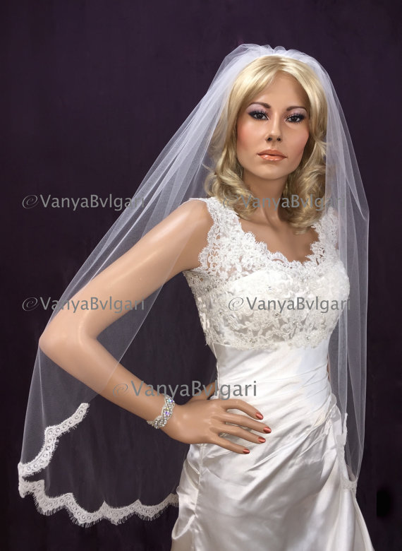 Mariage - Wedding lace veil in Fingertip length veil with alencon lace starting at waist, bridal lace veil with gathered top on a comb classic look
