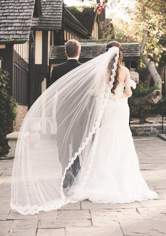Mariage - Alencon lace edge bridal veil with gathered top in Cathedral length, lace wedding veil, long alencon lace veil