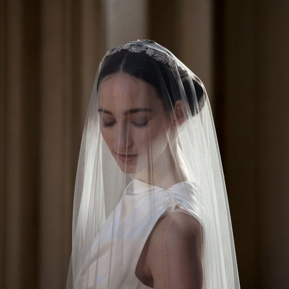 Hochzeit - Greek Goddess Hair-Vine with crystal leaves and a veil in choice of lengths, waltz, chapel, cathedral