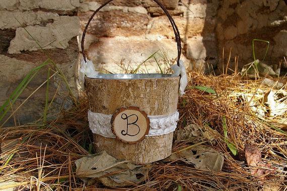 Hochzeit - Charming Rustic Flower Girl Basket