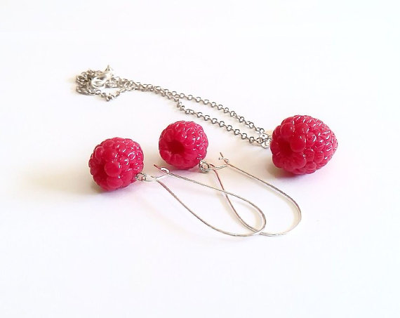 Свадьба - Set Earring and Necklace Raspberry Jewelry - Gifts - Red Raspberry, necklace, bride jewelry
