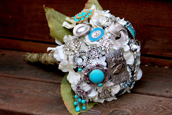 Hochzeit - Country Western bouquet cowgirl turquoise bridal bouquet with FREE TOSS/BRIDESMAID bouquet Aqua Brooch Bouquet